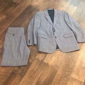 Jos A Bank gray and white suit Sz 42 R 36/32